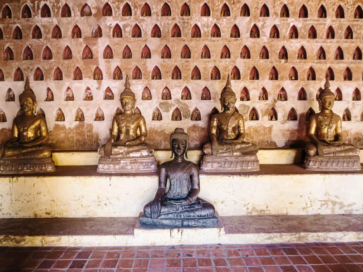 What to do in Vientiane? Wat si saket