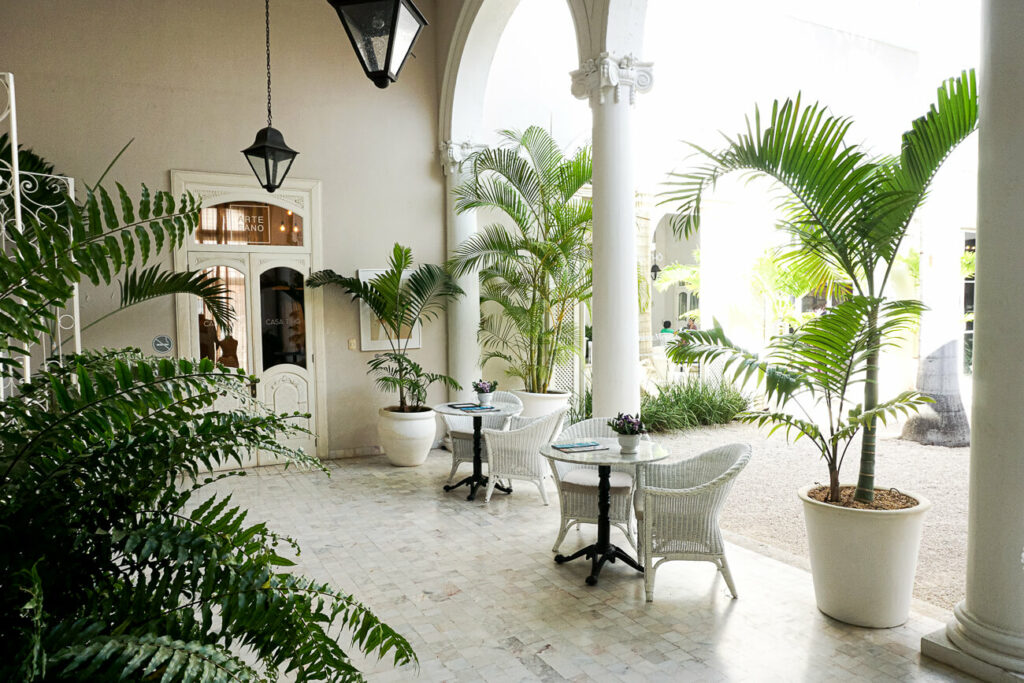 Casa Tho in Merida, the cultural city of Yucatan mwith beautiful buildings, restaurants and shops
