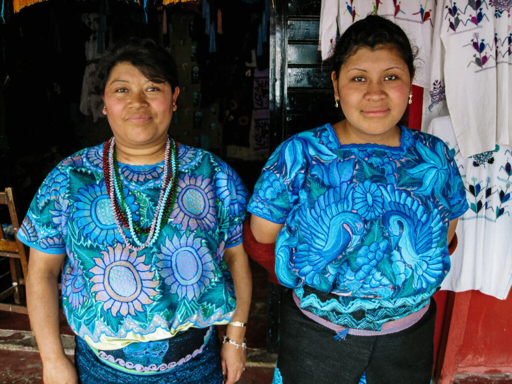 meet the indigenous woman of zinacantan, one of my top tips for san Cristobal Mexico