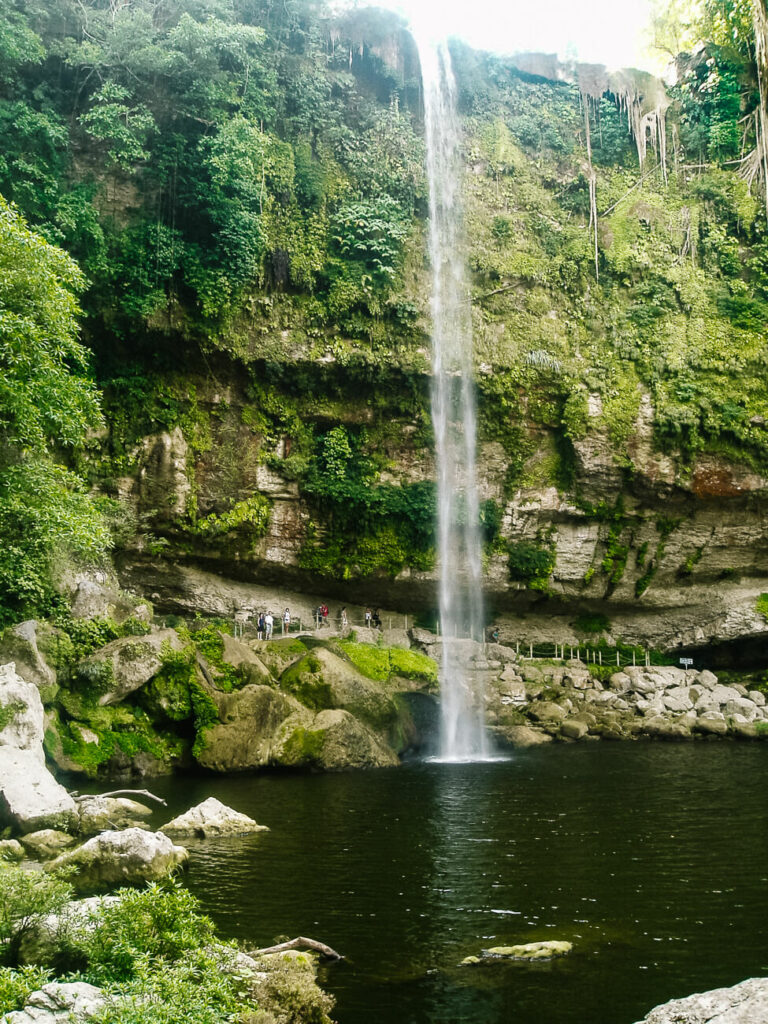 visit  the waterfall of Misol Ha, one of my tops tips for a trip to Chiapas in Mexico