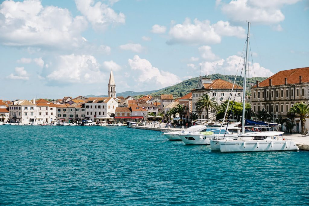 haven van Stari Grad, aan de Dalmatische kust in Kroatie