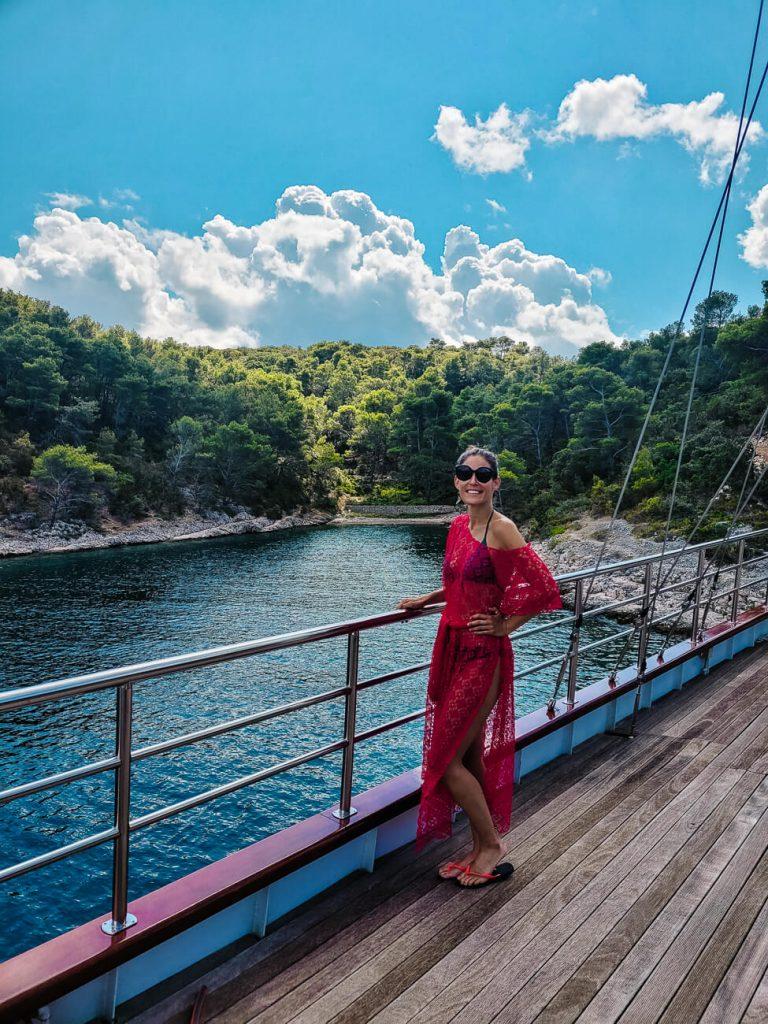 Deborah op de Almissa van Sail Croatia, een cruise in kroatie