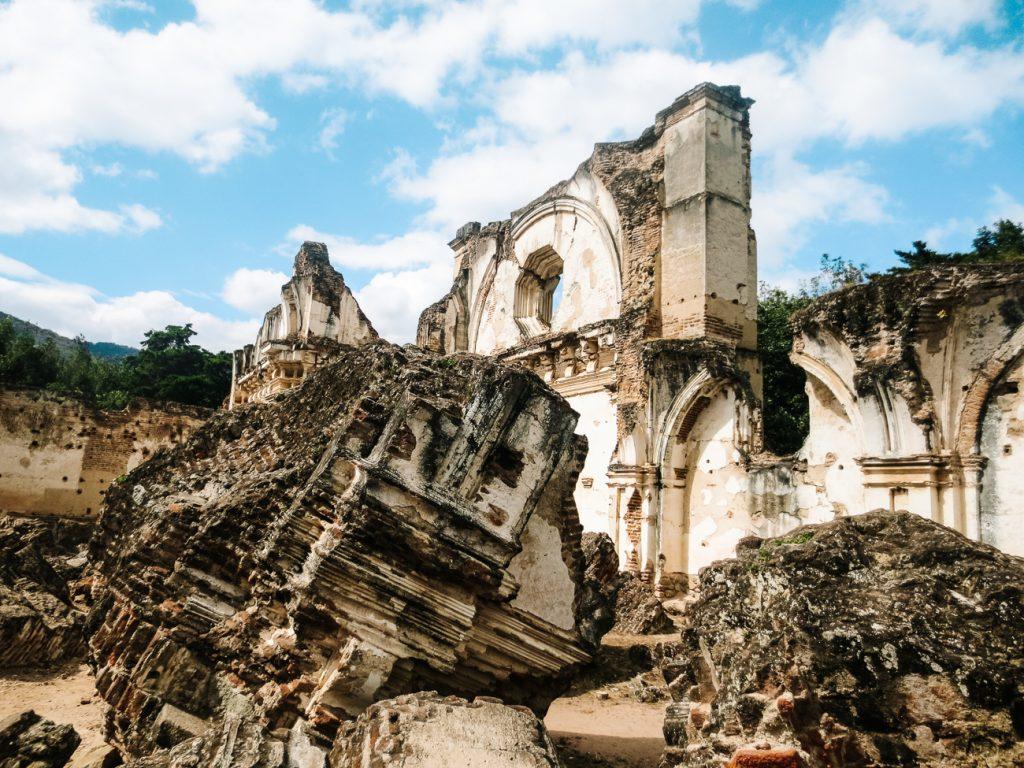 de ruïnes van Antigua behoren tot de mooiste bezienswaardigheden