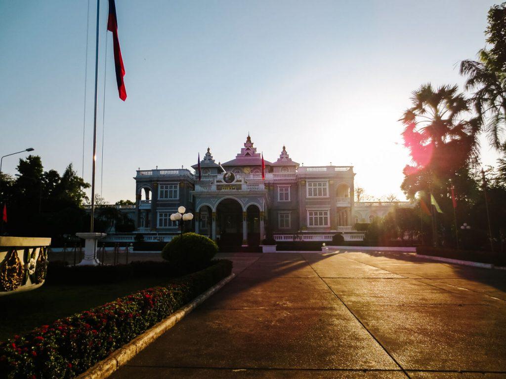 Vientiane bezienswaardigheden | presidentieel paleis