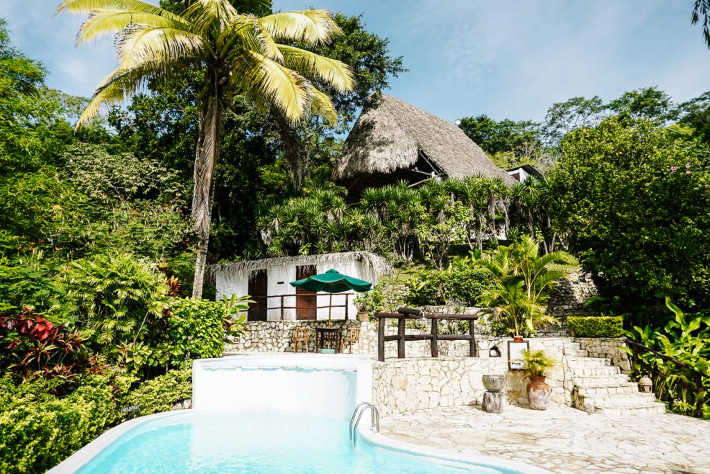 swimmingpool in La Lancha, on of the best places to stay in Guatemala