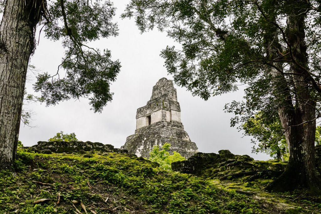 piramide in tikal National Park